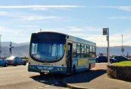 autobus komunikacji publicznej